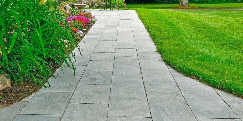 Linear flagstone in slate grey.